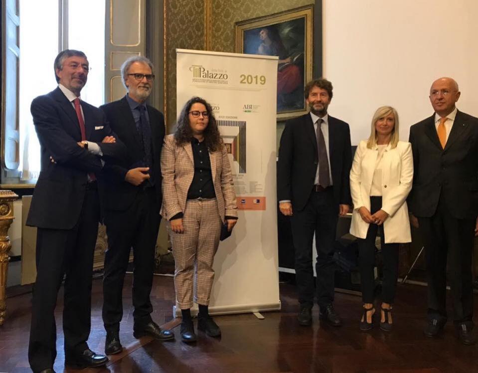 A Ariele Giari il premio per la realizzazione dell'immagine grafica di Invito a Palazzo 2019