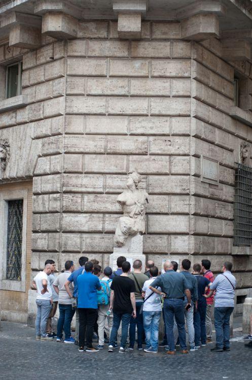 Maddalena Spagnolo: Se una statua scende in piazza… Pasquino fra arte e politica